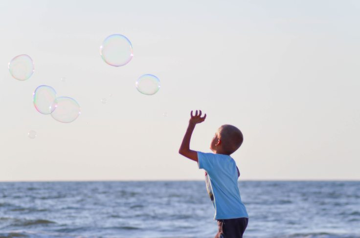 beach-boy-bubbles-106684